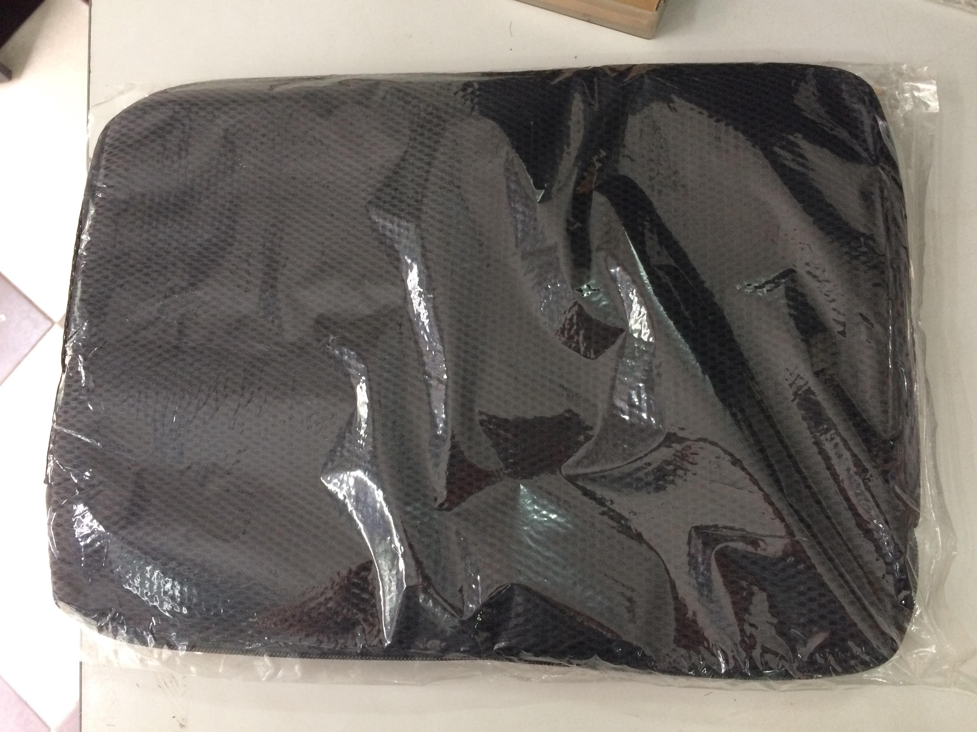 Túi chống sốc cho máy laptop 15.6′ , 14′